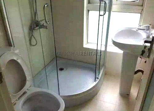 2-bedroom-apartment-in-in-jingan-in-shanghai-for-rent1_看图王