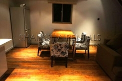 2-bedroom-apartment-in-jingan-in-shanghai-for-rent4