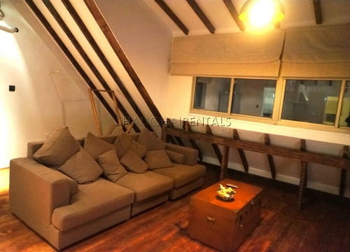 2-bedroom-apartment-in-jingan-in-shanghai-for-rent5