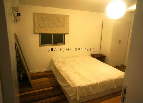 2-bedroom-apartment-in-jingan-in-shanghai-for-rent8