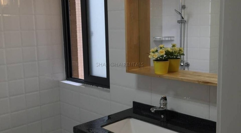 2-bedroom-apartment-in-minhang-in-shanghai-for-rent4