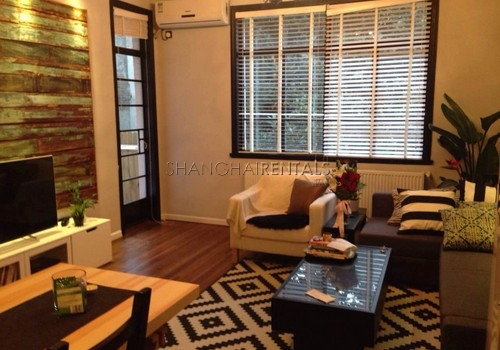 2-bedroom-apartment-in-xuhui-in-shanghai-for-rent5