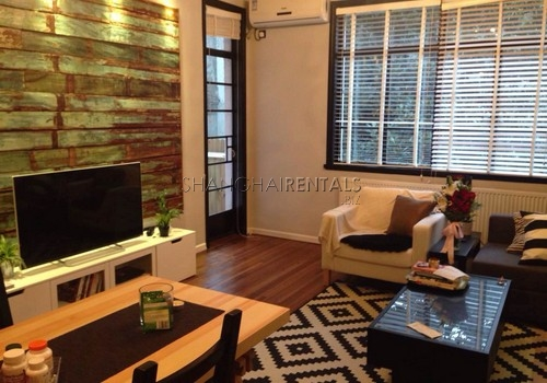 2-bedroom-apartment-in-xuhui-in-shanghai-for-rent6