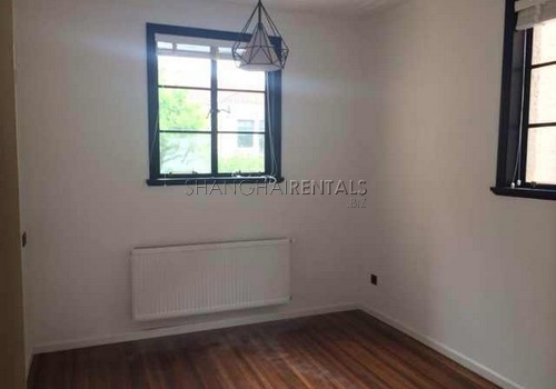2-bedroom-apartment-in-xuhui-in-shanghai-for-rent9