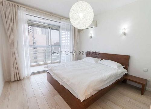 2-bedroom-apartment-in-xujiahui-in-shanghai-for-rent1