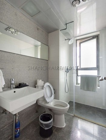 3-bedroom-apartment-at-8-park-avenue-in-jingan-in-shanghai-for-rent1