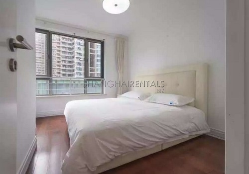 3-bedroom-apartment-at-novel-city-in-xuhui-in-shanghai-for-rent2