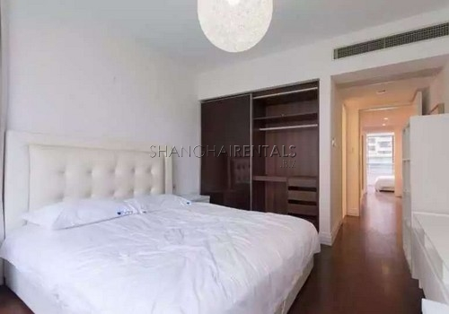 3-bedroom-apartment-at-novel-city-in-xuhui-in-shanghai-for-rent3
