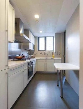3-bedroom-apartment-at-novel-city-in-xuhui-in-shanghai-for-rent4