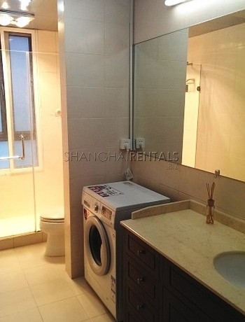 3-bedroom-apartment-at-uptown-in-gubei-in-shanghai-for-rent1