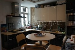 3-bedroom-apartment-at-wellignton-garden-in-xujiahui-in-shanghai-for-rent4