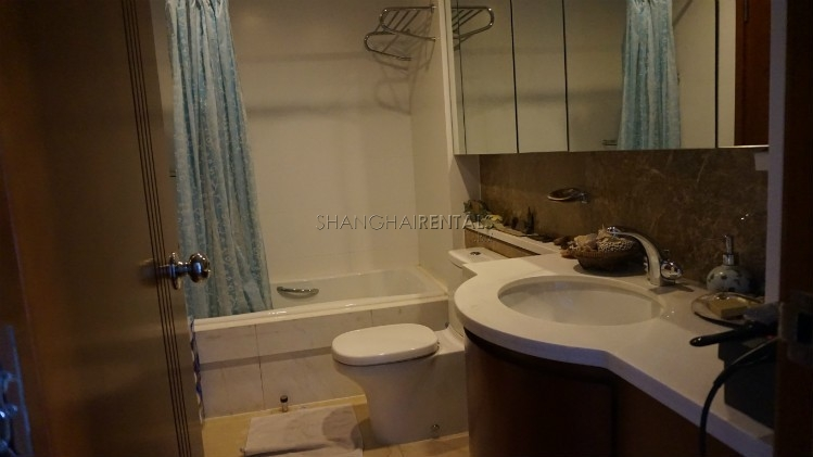 3-bedroom-apartment-at-wellignton-garden-in-xujiahui-in-shanghai-for-rent6