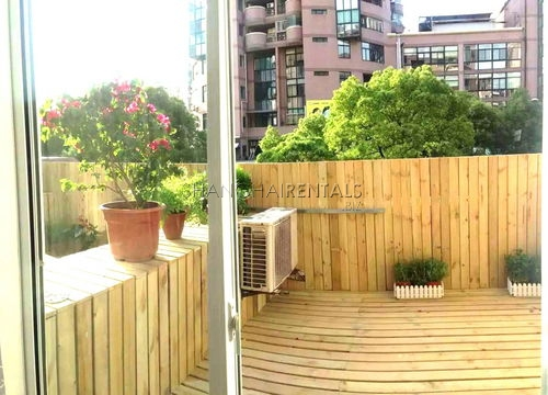 3-bedroom-apartment-in-changning-in-shanghai-for-rent7