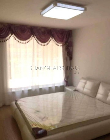 3-bedroom-apartment-in-changning-in-shanghai-for-rent8