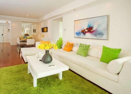 3-bedroom-apartment-in-xujiahui-in-shanghai-for-rent2