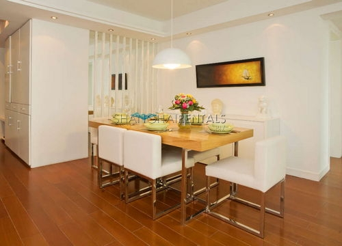 3-bedroom-apartment-in-xujiahui-in-shanghai-for-rent5