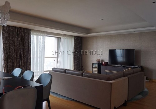 4-bedroom-apartment-at-central-residence-in-changning-in-shanghai-for-rent6