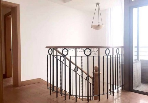 4-bedroom-apartment-in-former-french-concession-in-shanghai-for-rent4