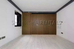 4-bedroom-apartment-in lanehouse-in-former-french-concession-in-shanghai-for-rent2