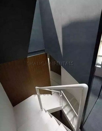 4-bedroom-apartment-in lanehouse-in-former-french-concession-in-shanghai-for-rent6