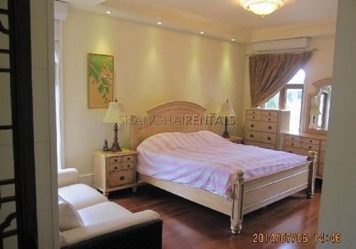 6-bedroom-villa-at-jiushi-western-suburban-garden-in-qingqu-in-shanghai-for-rent3