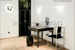 1-bedroom-apartment-close-to-peoples-square-in-hongkou-in-shanghai-for-rent3