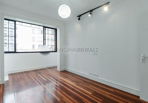 1-bedroom-apartment-former-french-concession-in-shanghai-for-rent2