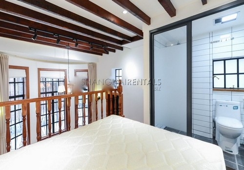 1-bedroom-apartment-in-former-french-concession-in-shanghai-for-rent2