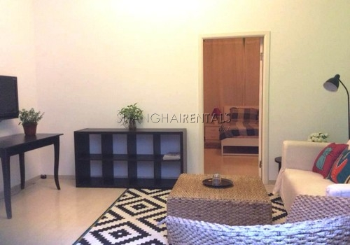 1-bedroom-apartment-in-jingan-in-shanghai-for-rent2