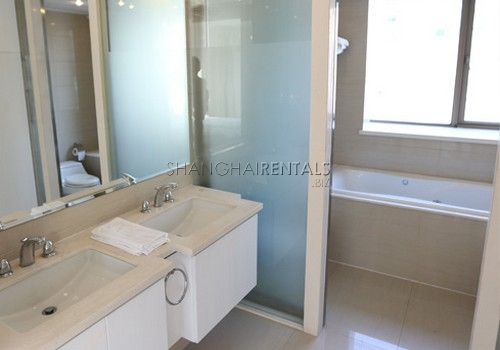 2-bedroom-apartment-at-xiangmei-garden-in-pudong-in-shanghai-for-rent6