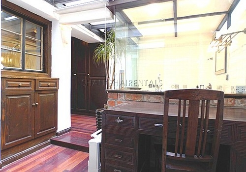 2-bedroom-apartment-former-french-concession-in-shanghai-for-rent3
