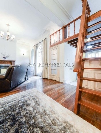 2-bedroom-apartment-in-former-french-concession-in-shanghai-for-rent11