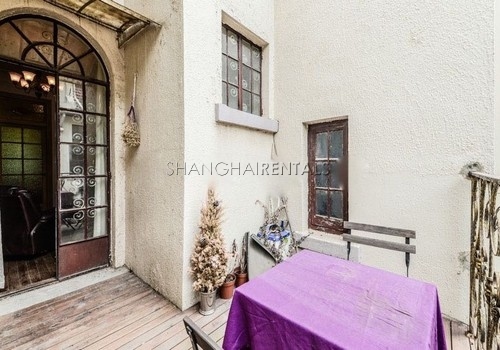2-bedroom-apartment-in-former-french-concession-in-shanghai-for-rent14