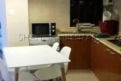 2-bedroom-apartment-in-jingan-in-shanghai-for-rent3