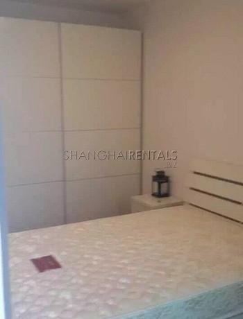 2-bedroom-apartment-in-jingan-in-shanghai-for-rent4