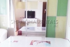2-bedroom-apartment-in-xuhui-in-shanghai-for-rent2