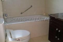 3-bedroom-apartment-at-hengsheng-garden-in-changning-in-shanghai-for-rent10