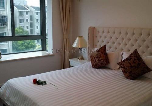 3-bedroom-apartment-at-hengsheng-garden-in-changning-in-shanghai-for-rent4