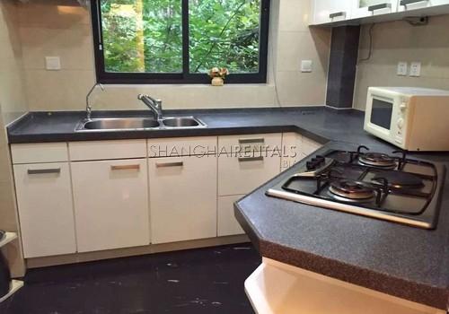 3-bedroom-apartment-at-qiangsheng-gubei-garden-in-gubei-in-shanghai-for-rent3