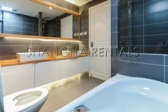 3-bedroom-apartment-at-the-summit-in-xujiahui-in-shanghai-for-rent11