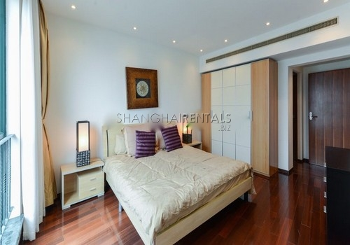 3-bedroom-apartment-at-yanlord-garden-in-pudong-in-shanghai-for-rent1