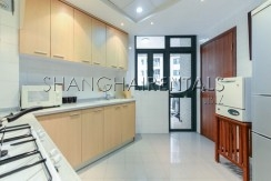 3-bedroom-apartment-at-yanlord-garden-in-pudong-in-shanghai-for-rent11
