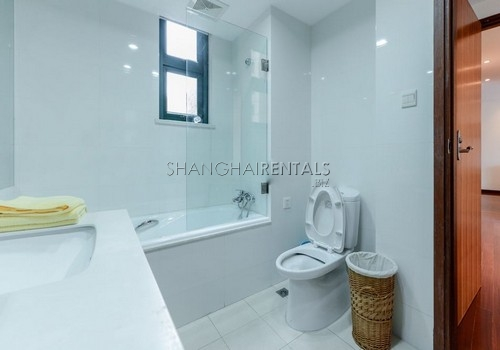 3-bedroom-apartment-at-yanlord-garden-in-pudong-in-shanghai-for-rent2