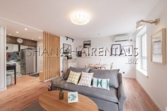 3-bedroom-apartment-with-balcony-in-lujiazui-in-shanghai-for-rent6