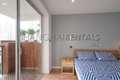 3-bedroom-apartment-with-balcony-in-lujiazui-in-shanghai-for-rent9