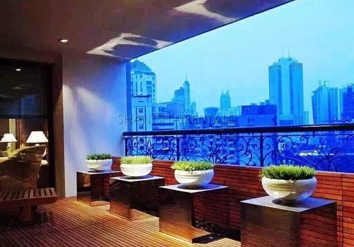 Exclusive 4 Br Apartment in Jing'an