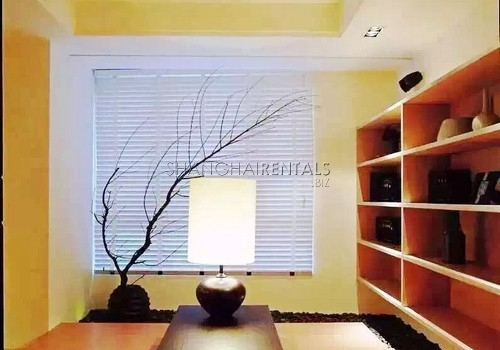 4-bedroom-apartment-in-jingan-in-shanghai-for-rent2