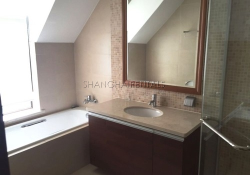 4-bedroom-villa-at-stratford-in-minhang-in-shanghai-for-rent9
