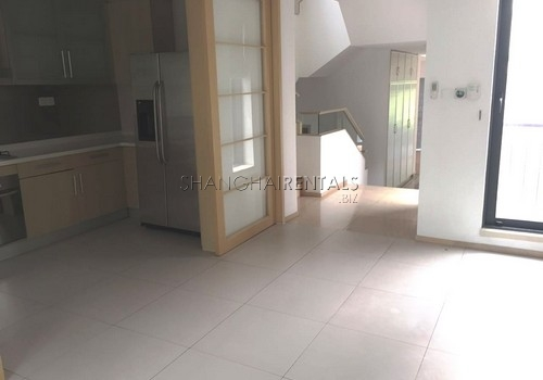 4-bedroom-villa-at-westwood-green-in-minhang-in-shanghai-for-rent13