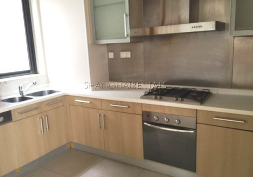 4-bedroom-villa-at-westwood-green-in-minhang-in-shanghai-for-rent4